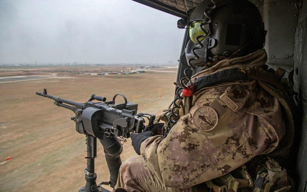 Army door gunners receive flight crew badges